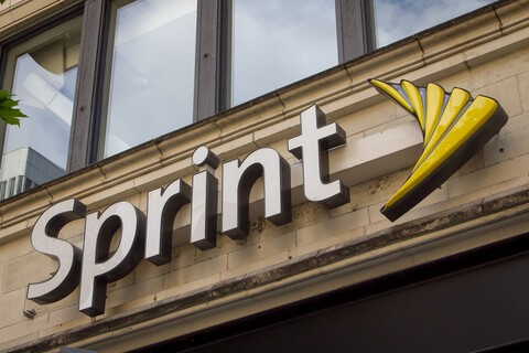 Sprint teams with Dixons Carphone to open 500 stores in the U.S.