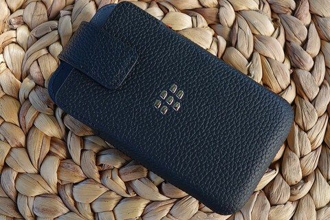 Grab a leather swivel holster for BlackBerry Classic today and save 53%