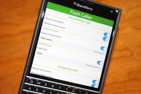 Turn your BlackBerry into a strobe light with Flashcaller - 200 copies available!