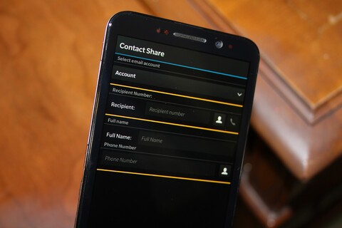 Contacts Share updated with new adaptive theme, additional languages, and vCard files