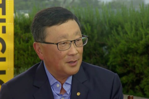 John Chen discusses Trump election and BlackBerry's plan to release one more in-house QWERTY phone