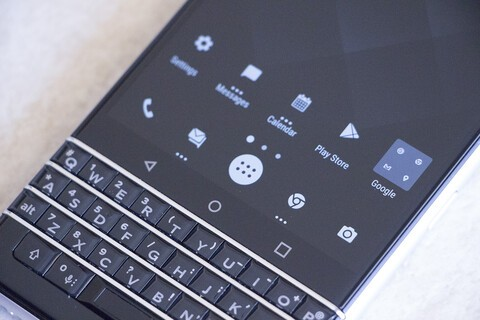 How to use icon packs on the BlackBerry KEYone