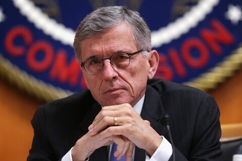 FCC votes 3-2 to reclassify broadband as a utility, sets new net neutrality rules