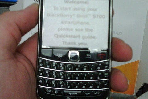 BlackBerry Bold 9700 Arriving in AT&T Stores