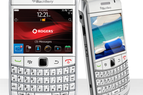 White BlackBerry Bold 9780 now available from Rogers Wireless