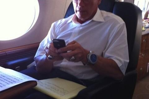 Celebrity Sighting: The Governator Arnold Schwarzenegger is a Bold 9700 user