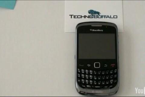 T-Mobile branded BlackBerry Curve 9300 gets fondled on video