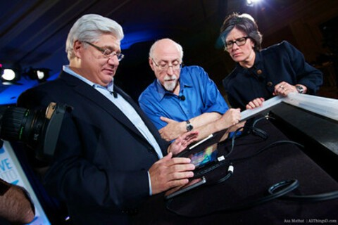 Mike Lazaridis confirms RIM has plans for tablets to come in different sizes
