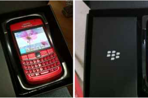 Red Rogers BlackBerry Bold 9780 spotted on Craigslist?!