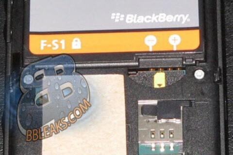More BlackBerry Slider Pics Show Up Online