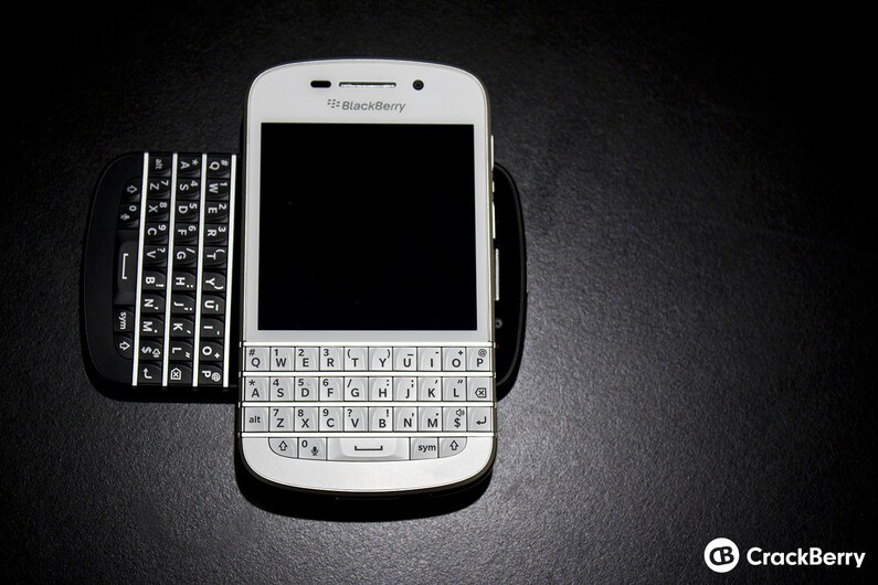 White BlackBerry Q10