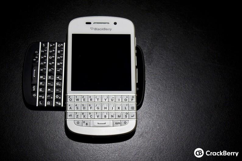 White BlackBerry Q10