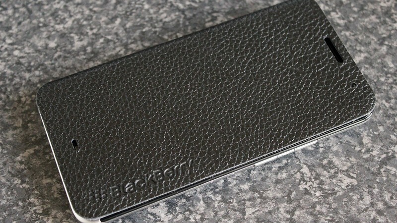 Give your BlackBerry Z30 a premium look with the Leather Flip Case