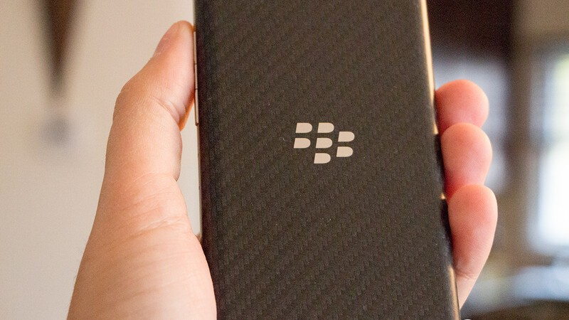 BlackBerry Z30 now available online from Rogers