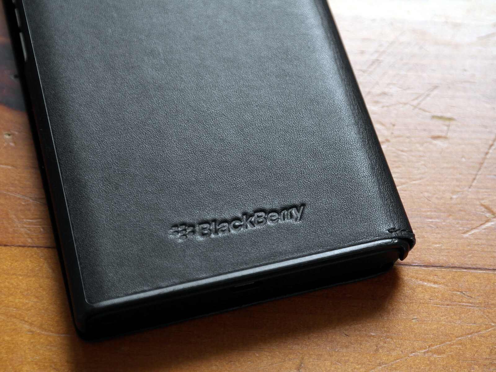 cheap for discount 1000a c98fc The BlackBerry Priv Leather Flip case has a handy window to peek ...