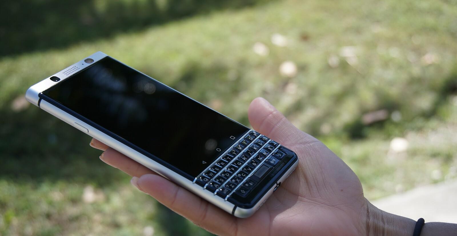 blackberry hook up app