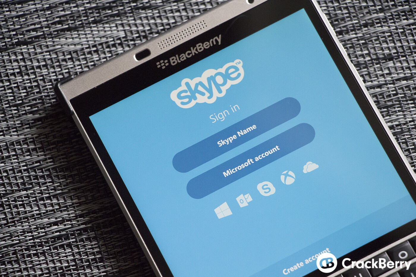 Skype for blackberry 10 updated with new design improved navigation still making use of skype on blackberry 10 if so theres a brand new update waiting for you in blackberry world noted as v61016424 this update brings gumiabroncs Images