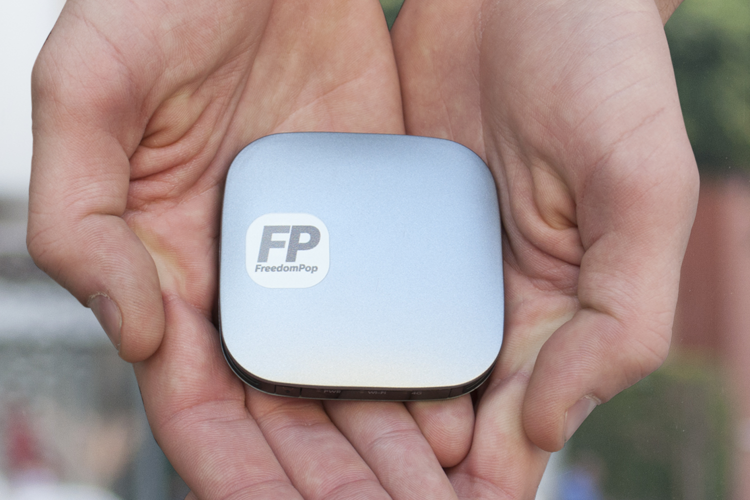 The FreedomPop Photo mobile hotspot
