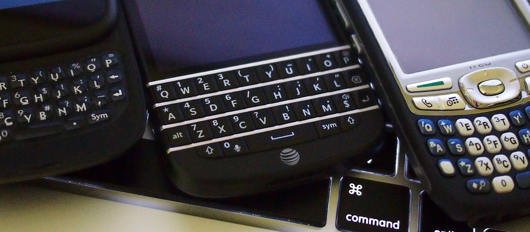 Pushing buttons vs. Tapping pixels: The great keyboard debate - Talk Mobile | Android Central