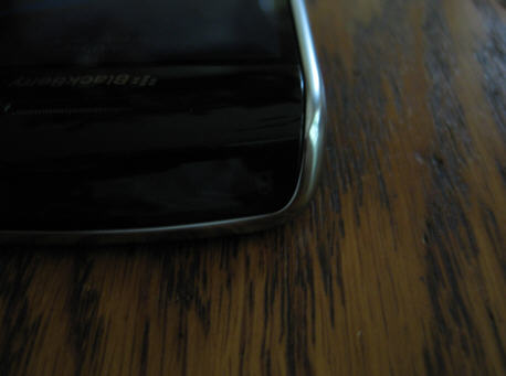 Picture of the lock button on the top of the device