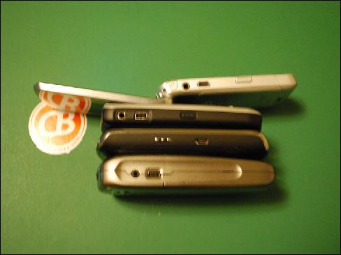 BlackBerry Verizon Pearl Flip 8230 Side By Side Comparison