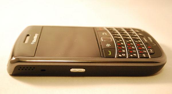 Verizon BlackBerry Bold 9650 Left Side