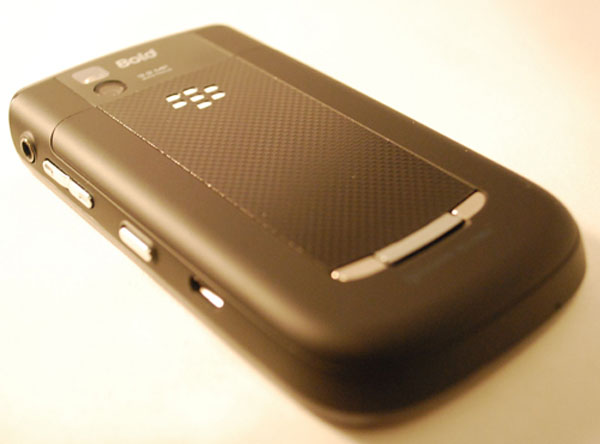 Verizon BlackBerry Bold 9650 Back View