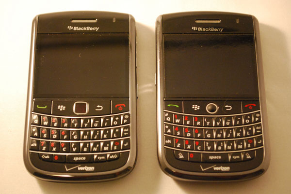 Verizon BlackBerry Bold 9650 & Tour 9630 Side by Side