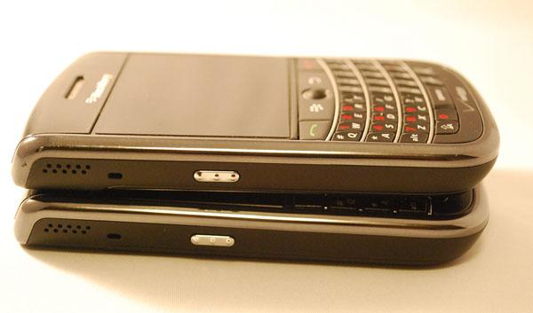 Verizon BlackBerry Bold 9650 & Tour 9630 Left Side Views