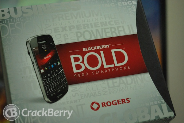 BlackBerry Bold 9900 Box