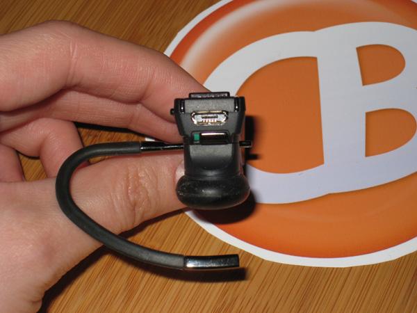 BlueAnt Q2 power button