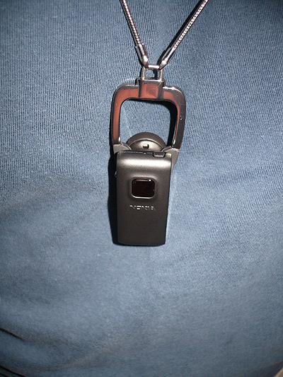 Nokia BH-800 - wearing it around my neck