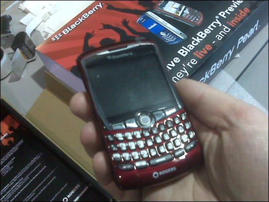 Rogers BlackBerry 8310 Red