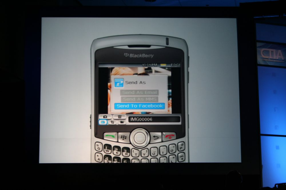 FaceBook App comes to BlackBerry!