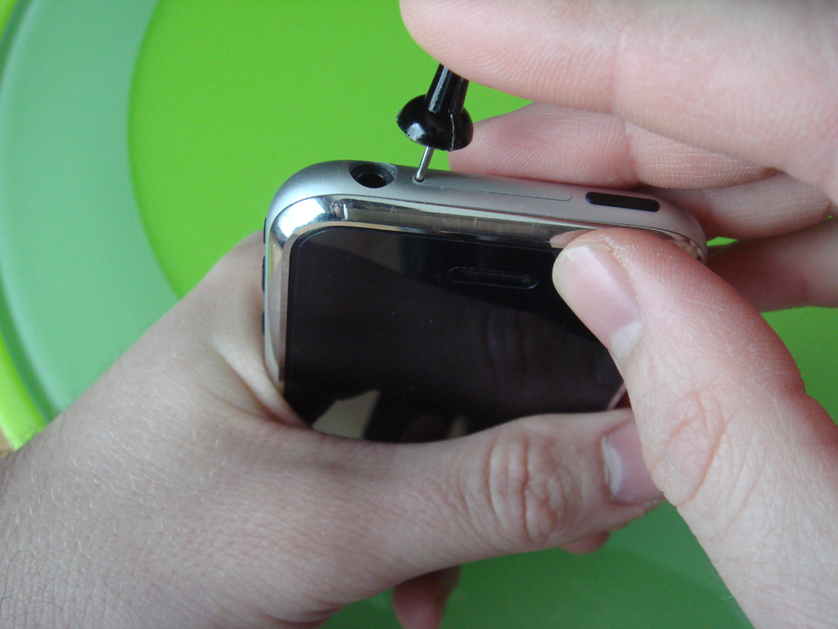 how to open an iphone 4 smartphone robin apple iphone impressions 18931
