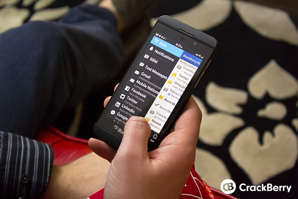 The BlackBerry Z10 E-mail application