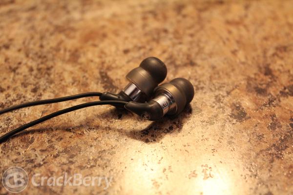 Maximo iP-XS5 iMetal Isolation headphones img 2