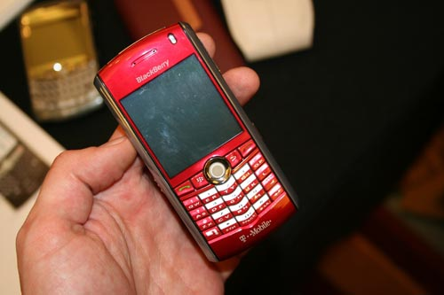 The Pink BlackBerry Pearl from CES