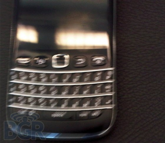 BlackBerry Bold 9790 redesign