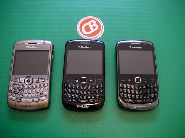 Blackberry curve 3g review for Housse blackberry curve 9300