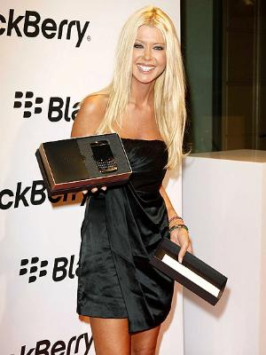Celebrity BlackBerry Sighting - Tara Reid Shows Off Her New BlackBerry Bold 9700