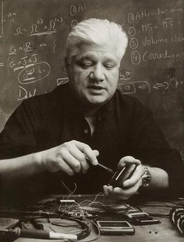 Mike Lazaridis Once Again Downplays Touchscreen Devices; Adds Tablets To The Mix This Time