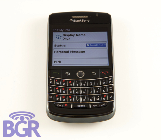 Sneek Peak At The New BlackBerry Messenger!