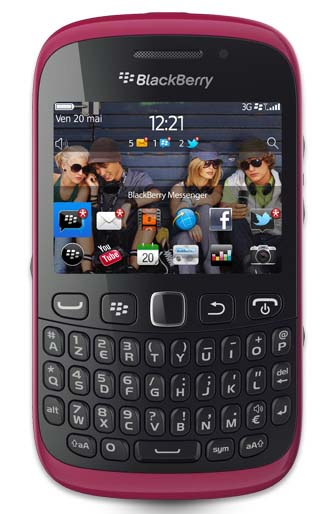 BlackBerry Curve 9320 in Hot Pink