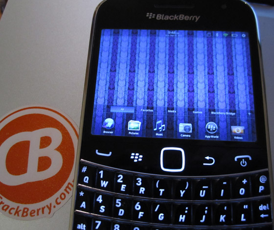 Fake QNX on BlackBerry Bold 9900