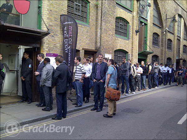 BlackBerry 10 London queue