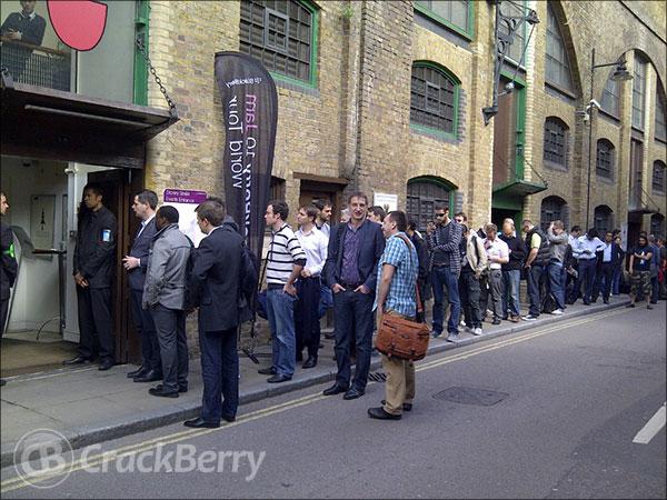 BlackBerry 10 London queue