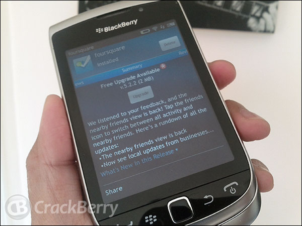 FourSquare gets updated to v5.2.2 - it's faster