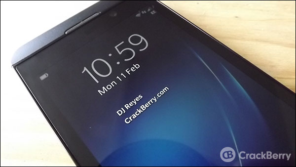How to change the lock screen message on BlackBerry 10
